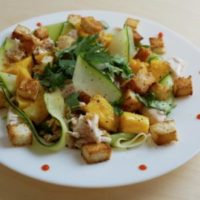 салат с манго и с курицей