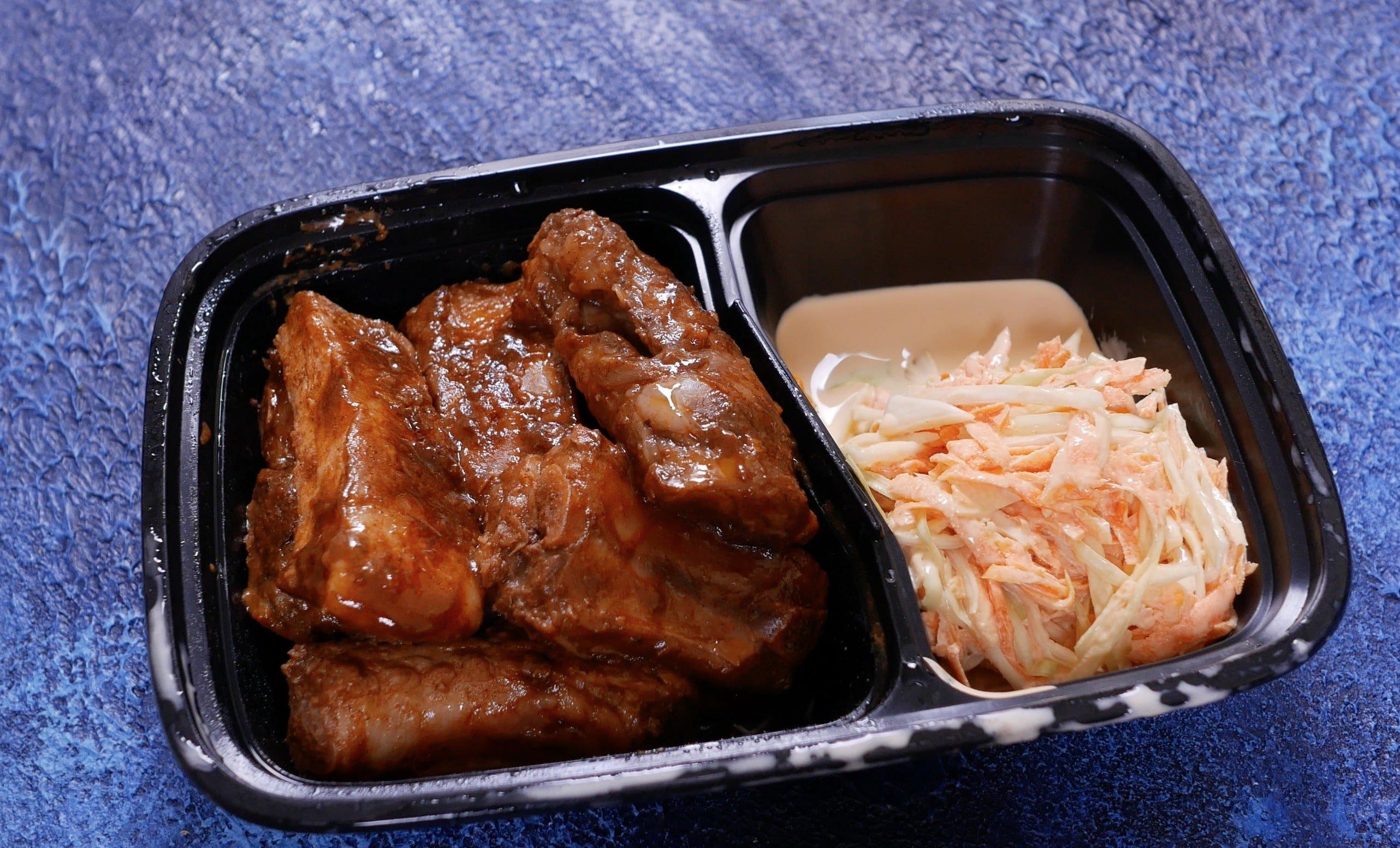 Рёбра свиные с домашним соусом барбекю