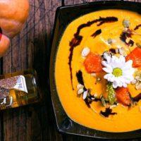 тыквенный крем-суп. С трюфельным маслом и бальзамиком