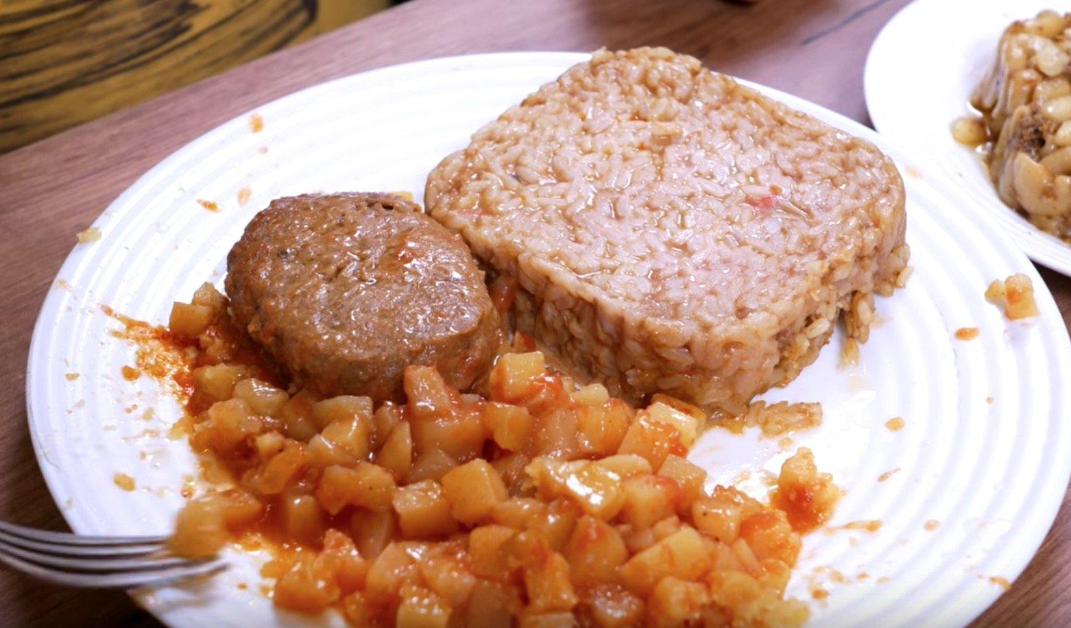 Котлета с картошкой и курица с рисом от Бери ложка