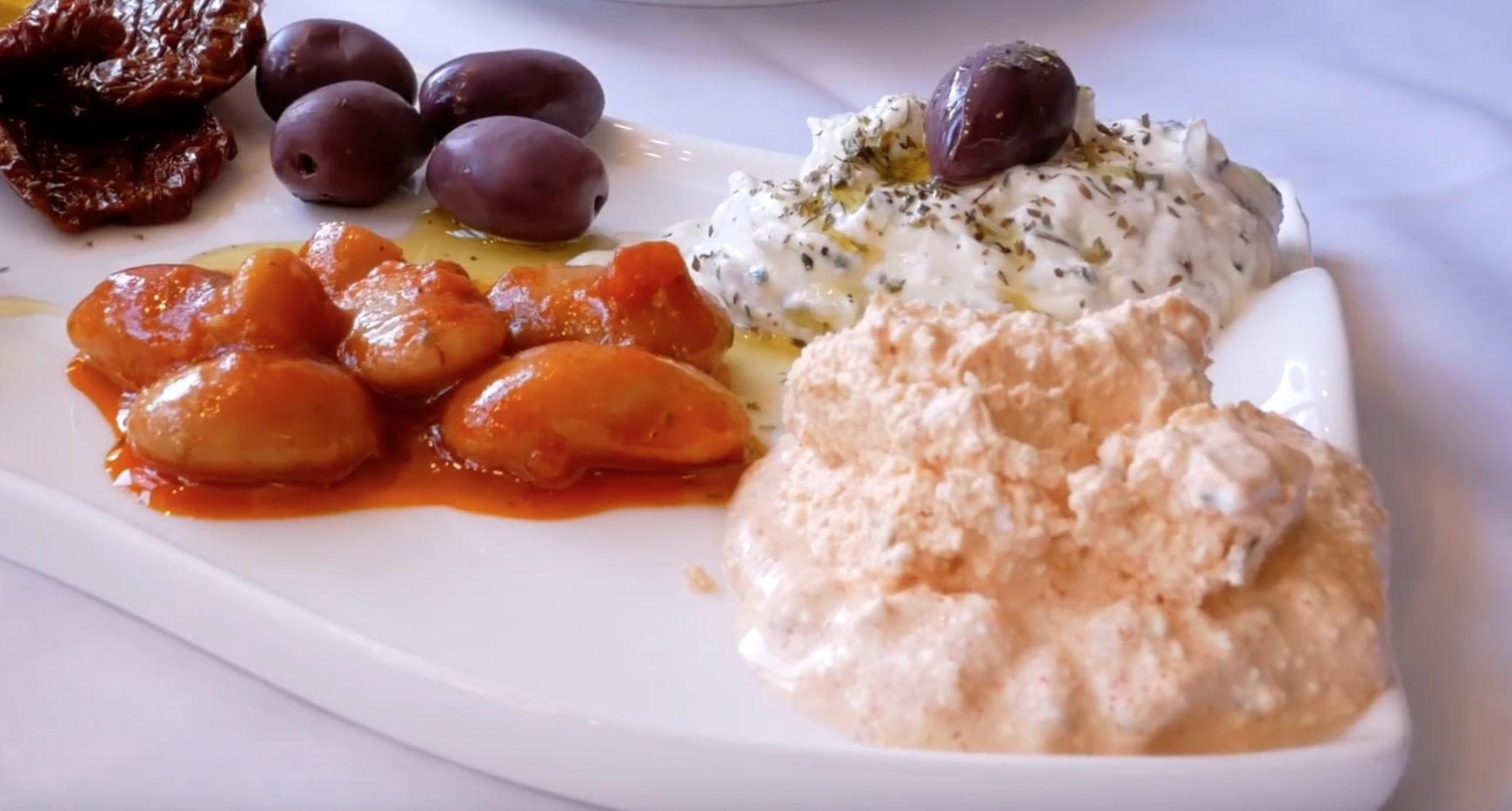 У бобов ярко выражен томатный привкус и привкус оливковое масла. Печеные бобы вкусные.