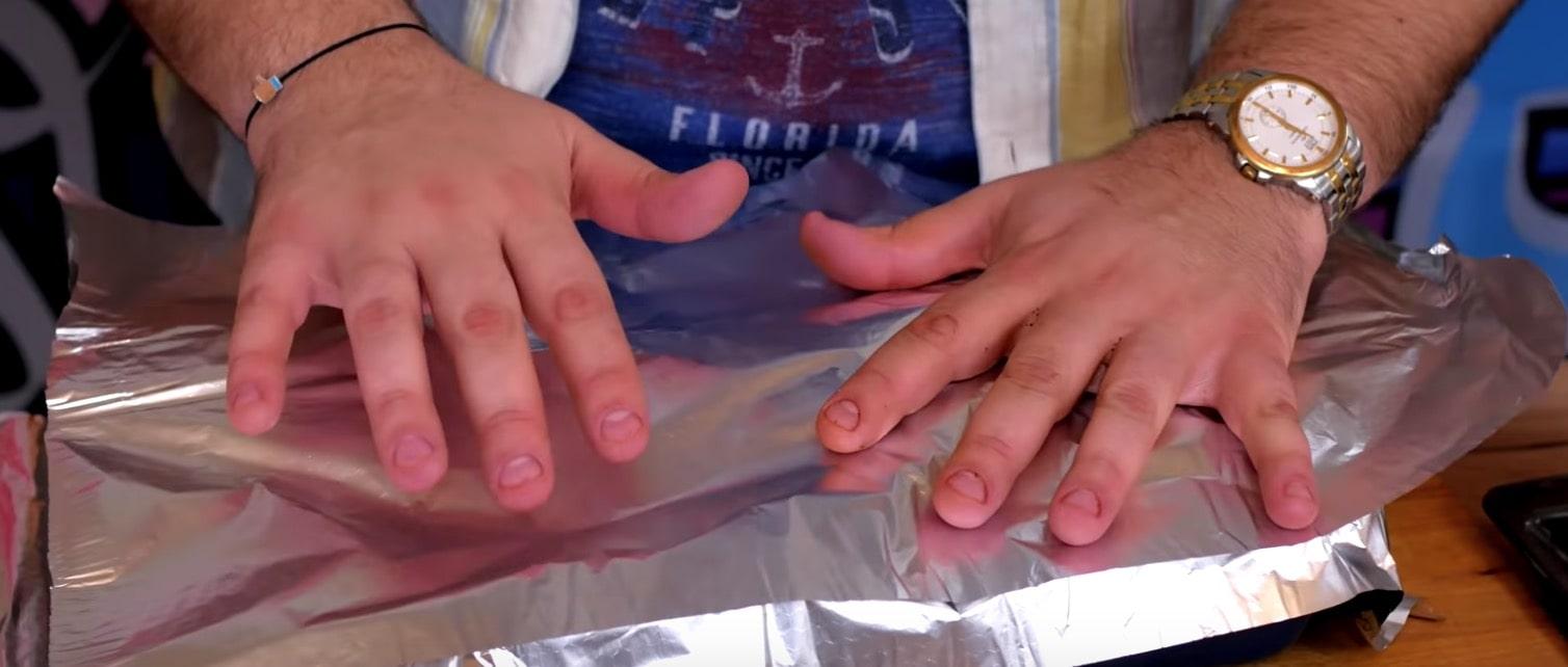 Запечатываем ребра фольгой в форме