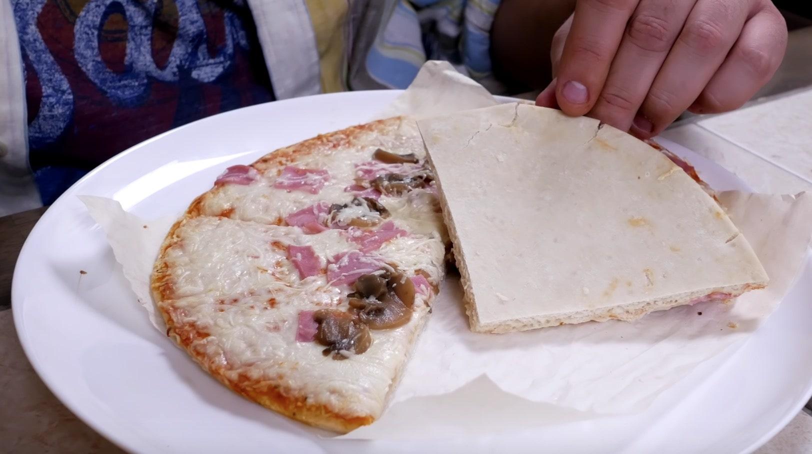 И даже за 8 минут сыр не расплавился до конца. По итогу пицца выглядит не аппетитно. Края не подрумянились за 8 минут. Но мы готовим столько, сколько нам порекомендовал производитель.